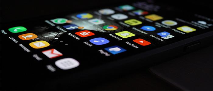 Iphone visar ikoner från sociala medier